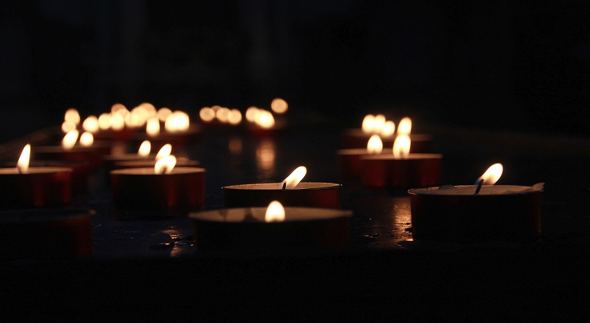 candles zoran kokanovic 530941 unsplash
