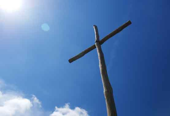 easter day News images 554x415 cross blue sky