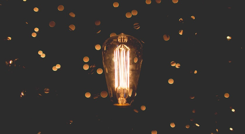 lightbulb zach lucero 802489 unsplash
