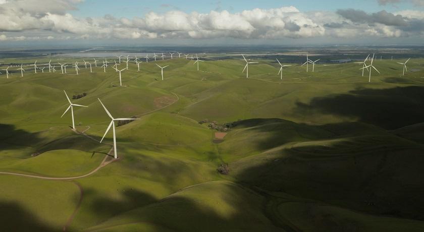 windfarm tylercasey unsplash